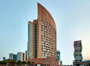 Staybridge Suites - Doha Lusai..