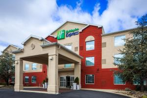 Holiday Inn Express Hotel & Suites Reading, an IHG Hotel