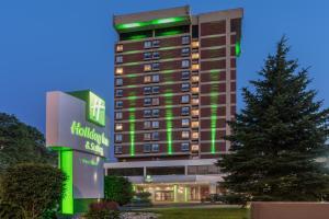 Holiday Inn & Suites Pittsfield-Berkshires, an IHG Hotel