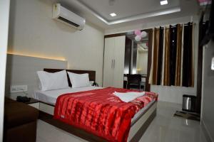 Hotel Amrit Plaza