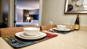 Staybridge Suites Marquette - Hotel - Marquette Mountain