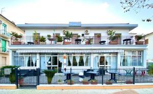 Hotel Villa Lorena - AbcAlberghi.com
