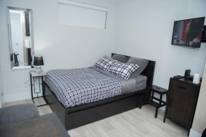 Comfy Basement Studio Apartment in Toronto