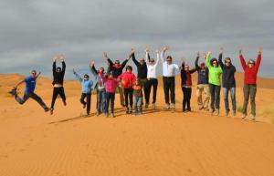 Camp desert nomad tour