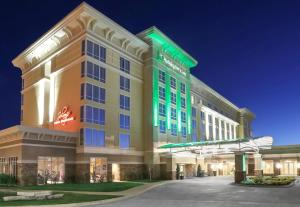 Holiday Inn and Suites East Peoria, an IHG hotel