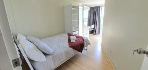 City Plaza in the heart of Canberra Centre! Private room in shared Apartment