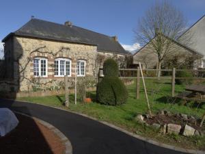 Location gîte, chambres d'hotes Manoir de la Grand'Cour dans le département Mayenne 53
