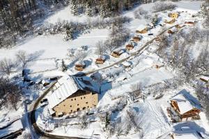Location gîte, chambres d'hotes Chalets de la Ferme de Belline dans le département Hautes alpes 5