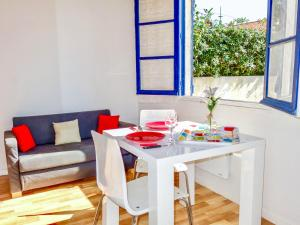 Holiday Home Campet1