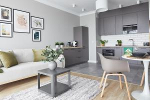 Metro Imielin Apartments