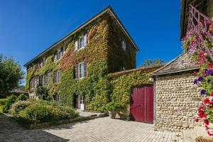 Accommodation in Saint-Oblas