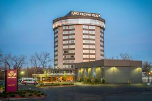 Crowne Plaza Saddle Brook, an IHG hotel