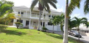 Coral Gardens Villa