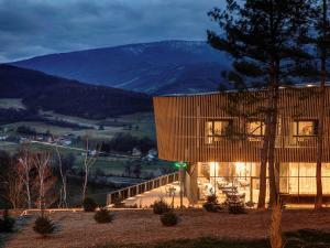 Tarcin Forest Resort and Spa M..