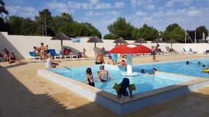 Location gîte, chambres d'hotes Camping Le Lagon Bleu dans le département Vendée 85