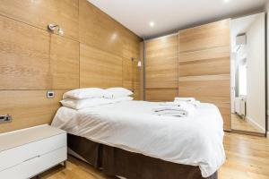 Fabulous 2 bed 2 bath with air con + garden, Apartments  London - big - 8