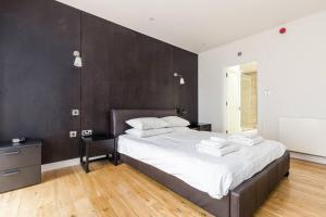 Fabulous 2 bed 2 bath with air con + garden, Apartments  London - big - 6