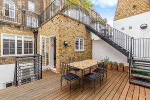 Fabulous 2 bed 2 bath with air con + garden, Apartments  London - big - 4