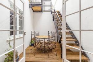 Fabulous 2 bed 2 bath with air con + garden, Apartments  London - big - 3