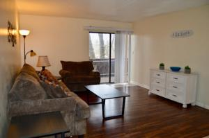 Apartment living 2 bed and bath