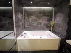 Jacuzzii Apartment