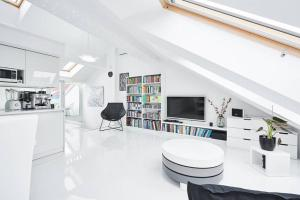 UNIQUE DESIGN Loft in CENTRE of OLD TOWN desinfiected and with Netflix