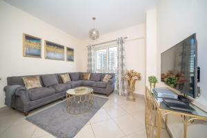 Sphere Stays JLT - Newly Furnished Spacious 2BR close to Major Attractions