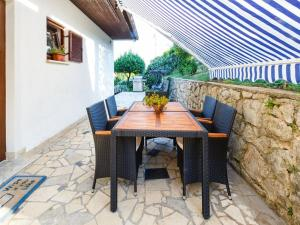 Alluring Apartment in Ičići with Terrace