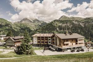 Hotel Goldener Berg - Lech