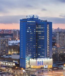 Park Tower Отель - Молодежный