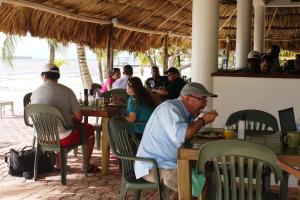 Green Parrot Beach Houses and Resort, Lodge  Maya Beach - big - 68