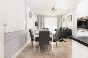 Apartments Gdańsk Piastowska by Renters Prestige