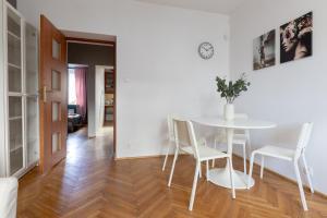 Saska Kępa Modern Apartment
