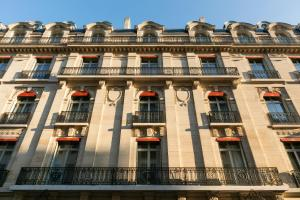 La Clef Champs-Élysées Paris by The Crest Collection