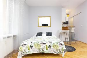 Apartments Warsaw Hoża by Renters