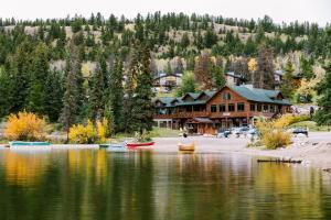 Pyramid Lake Resort - Accommodation - Jasper