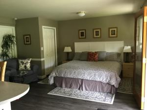 Nestledown B&B - Accommodation - Halfmoon Bay