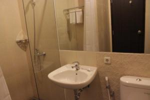 Hotel Alpha Makassar, Hotels  Makassar - big - 38