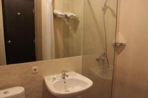 Hotel Alpha Makassar, Hotels  Makassar - big - 36