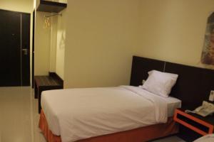 Hotel Alpha Makassar, Hotels  Makassar - big - 27