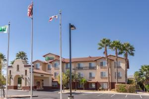 Holiday Inn Express Hotel & Suites Manteca, an IHG hotel