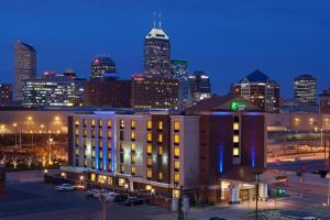 Holiday Inn Express Hotel & Suites Indianapolis Dtn-Conv Ctr Area, an IHG hotel