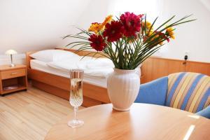 Hotel Pension Kirschstein - Katzow