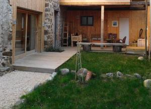 Accommodation in Limony