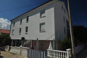 Zadar Miljenka Kresimirova obala 17