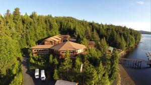 . Salmon Falls Resort