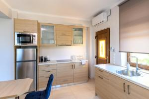 Three-Bedroom Apartment - Ersi