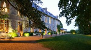 Location gîte, chambres d'hotes Château De Noirieux dans le département Maine et Loire 49