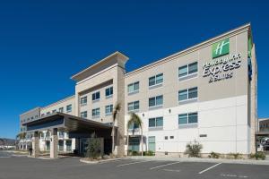 Holiday Inn Express & Suites - Murrieta, an IHG Hotel