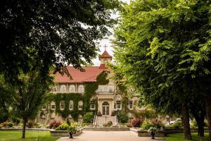 St. Eugene Golf Resort Casino - Accommodation - Cranbrook